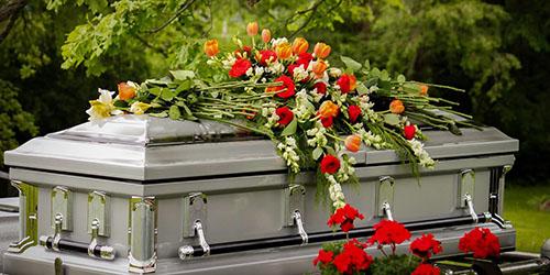 видеть похороны во сне