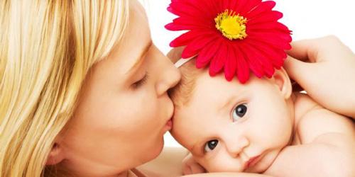 к чему снится родить девочку
