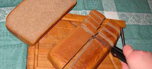 резать хлеб во сне