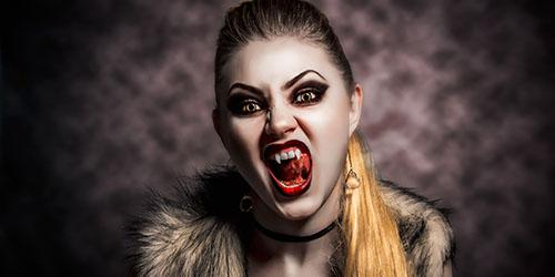 к чему снится женщина вампир