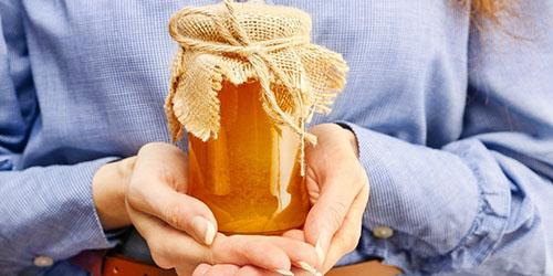 видеть мед во сне
