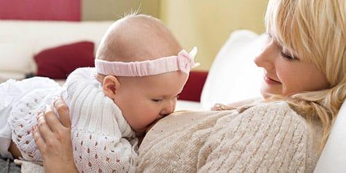 к чему снится кормить грудью девочку
