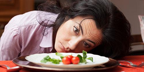 к чему снятся глисты в еде