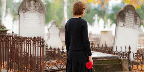 к чему снится гулять по кладбищу