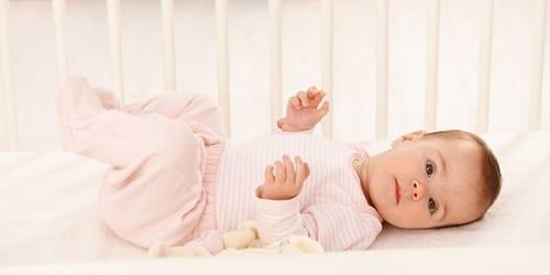 к чму снится младенец девочка