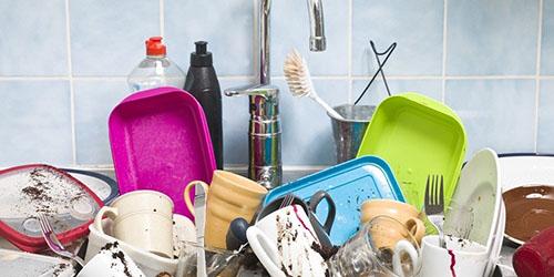 Мыть посуду во сне
