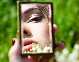 Видеть себя в зеркале