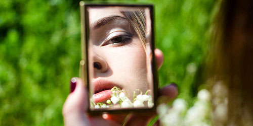 к чему снится видеть себя в зеркале страшной
