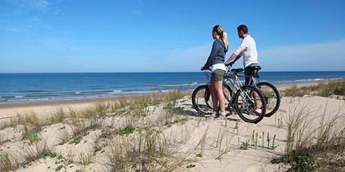 Ехать на велосипеде по песку