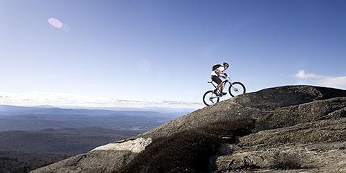 Ехать на велосипеде в гору