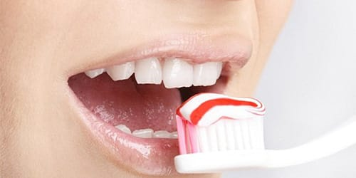 к чему снится чистить зубы