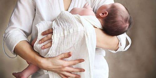 К чему снится ребенок на руках?