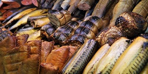 Много соленой рыбы