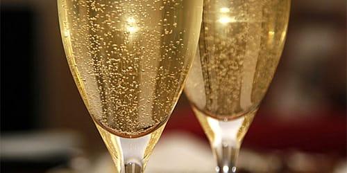 к чему снится шампанское