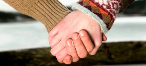 сонник держать за руку