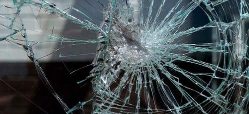 К чему снится разбитое лобовое стекло фото