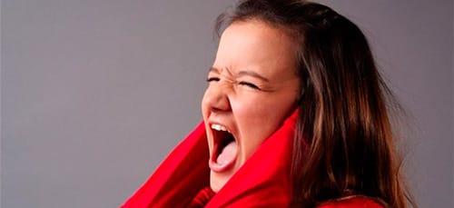 к чему снится кричать без голоса