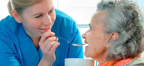 кормить покойную маму