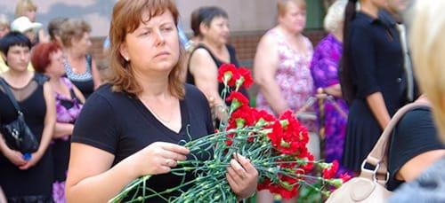 к чему снятся похороны у соседей