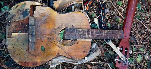 сломанная гитара во сне