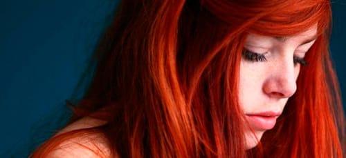 сон парень с длинными рыжимы волосами