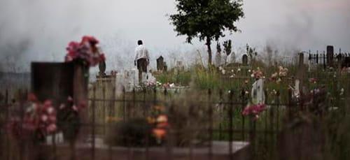 заблудиться на кладбище