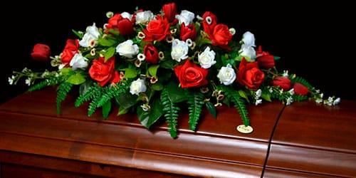 крышка гроба в цветах во сне