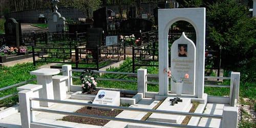 к чему снится надгробный памятник