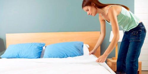 застилать постель простыней во сне
