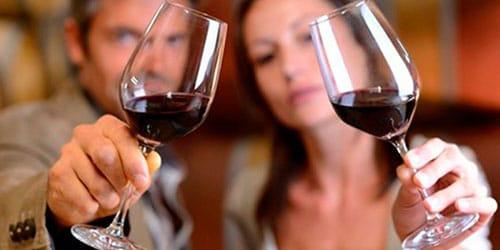 пить красное вино во сне