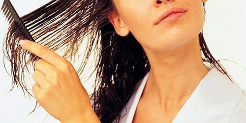 к чему снится расчесывать мокрые волосы