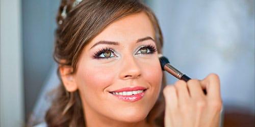 к чему снится наносить макияж