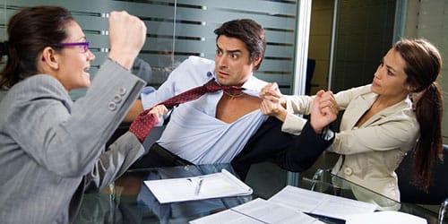 к чему снится скандал на работе