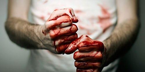 К чему снится избитый человек в крови фото