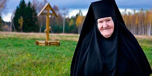 к чему снится монахиня