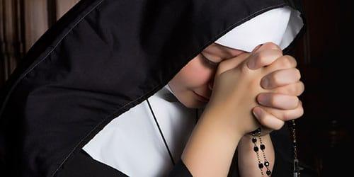 к чему снится монашка