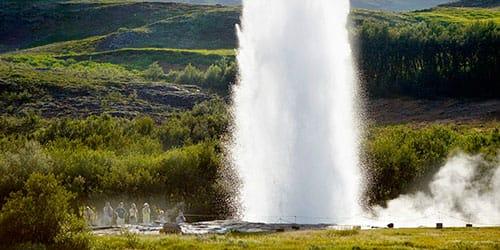 к чему снится фонтан  бьющий из–под земли