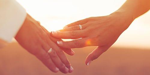 сонник прикосновение рук