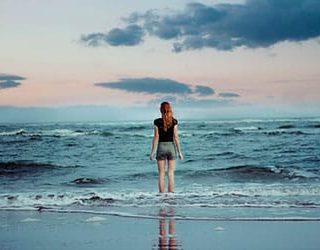 Стоять в воде