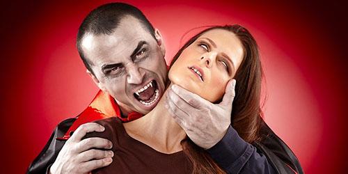 к чему снится вампир пьющий кровь