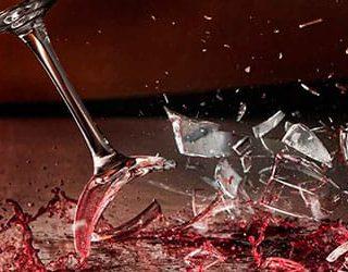 Разбитый бокал