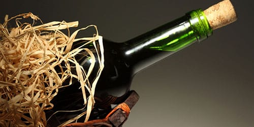 бутылка красного вина