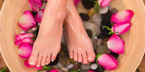 мыть ноги в холодной воде