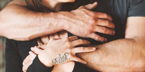 к чему женщине снятся мужские руки