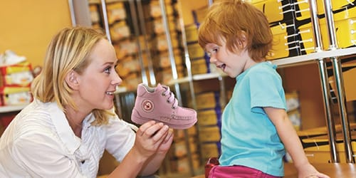 выбирать детскую обувь