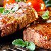 кушать жареное мясо