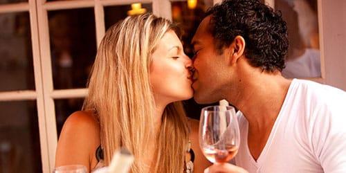 целоваться с бывшим парнем замужней женщине