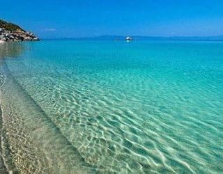 Чистое голубое море