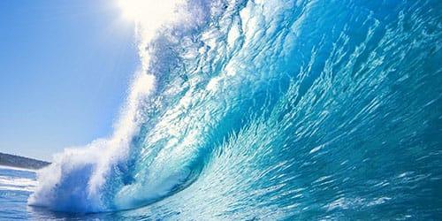 прозрачная голубая вода