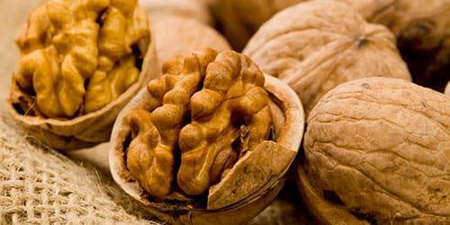 грецкие орехи в скорлупе